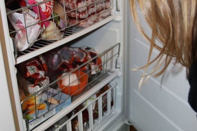 Snow experiment: Melting in freezer